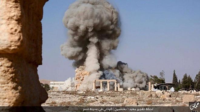 Les Occidentaux ont un rapport fétichiste avec les monuments du passé, c'est ce qu'exploite Daech (ici, destruction à Palmyre). REUTERS